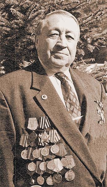 Изображенный на фотографии человек во время Второй мировой войны воевал в  немецком карательном батальоне ef640dbdce56e