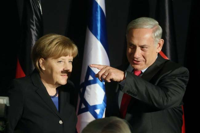 "Vaizdo rezultatas pagal užklausą ""адольф гитлер и Ангела Меркель"""
